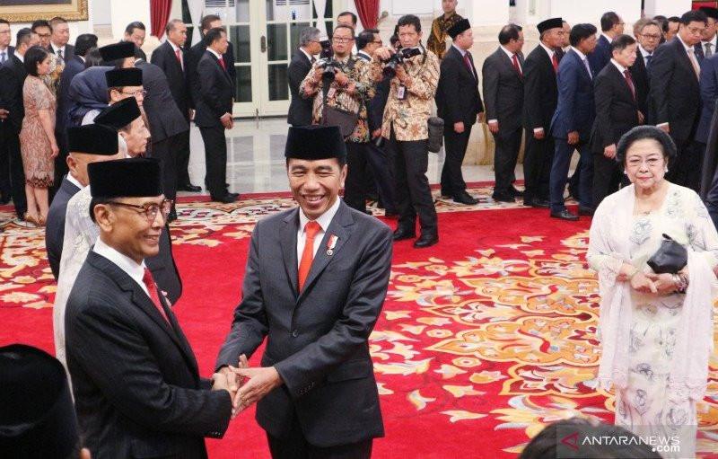 Presiden Jokowi Tunjuk Wiranto jadi Ketua Wantimpres 2019-2024 - JPNN.com