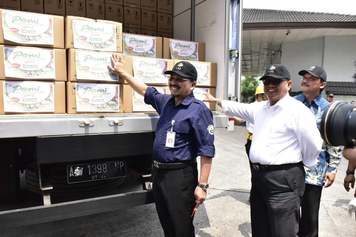 Kementan Lepas Ekspor Perdana Pupuk Organik Indonesia - JPNN.com