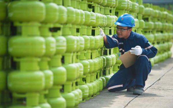 Pertamina Tindak Tegas Penjual Gas LPG yang Nakal - JPNN.com