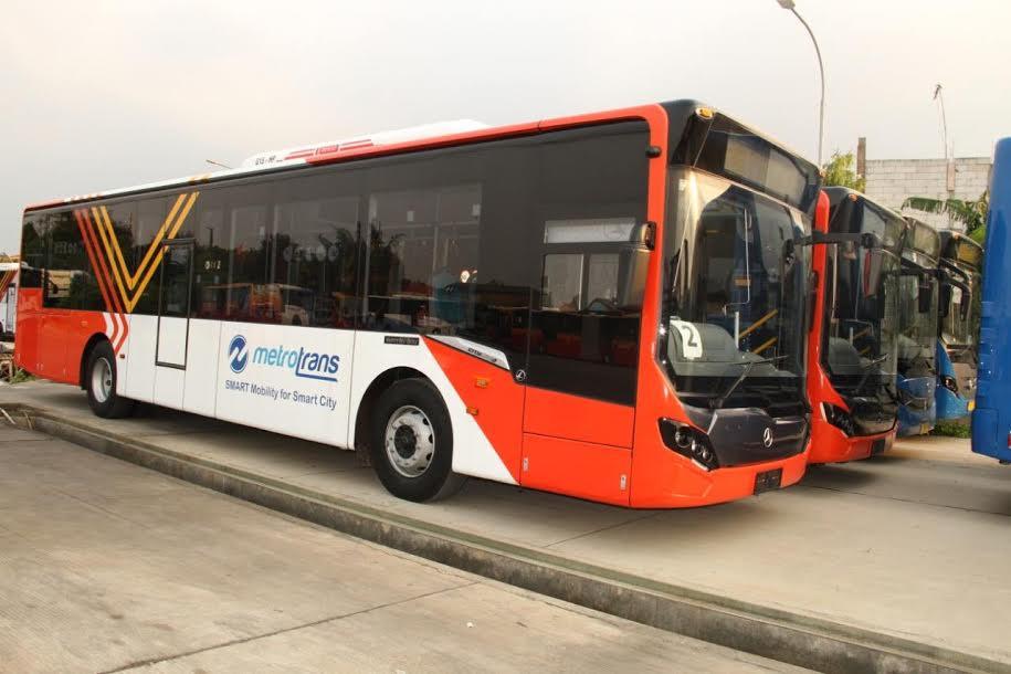 Transjakarta Tetap Beroperasi Hari ini, Cek Rute-rutenya di Sini - JPNN.com