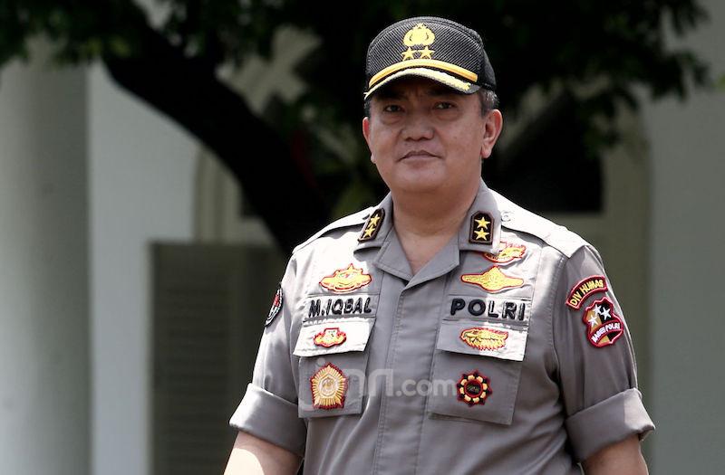 Polisi Bisa Jerat Warga Nongkrong Selama Wabah Corona dengan 3 Pasal Ini - JPNN.com