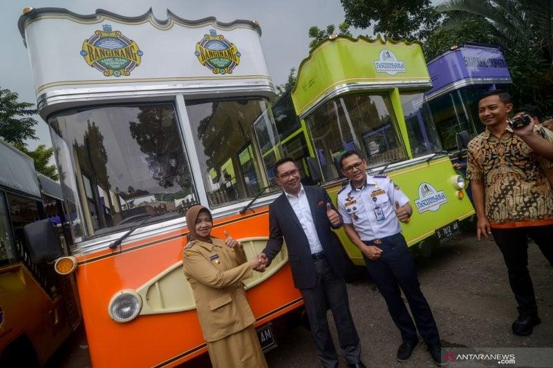 Dorong Sektor Pariwisata, Pemprov Jabar Bagikan 30 Bus Wisata untuk Kabupaten-Kota - JPNN.com