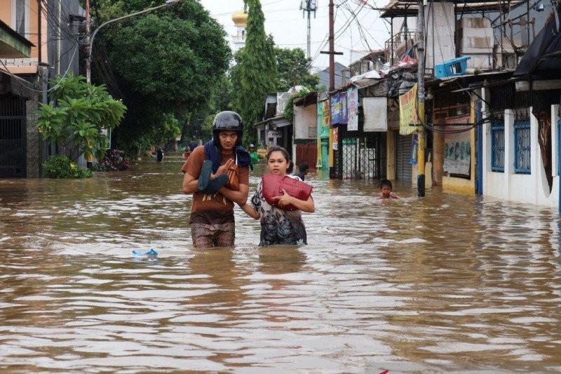 Sunat Anggaran Rp 500 Miliar, Anies Dianggap Tak Punya Niat Atasi Banjir Jakarta - JPNN.com