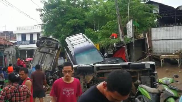 Mobil Suzuki Terendam Banjir? Tenang, Ada Towing Gratis