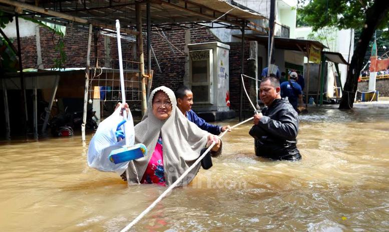 Ide Pembentukan Pansus Banjir Jakarta Dinilai Sarat Politis - JPNN.com