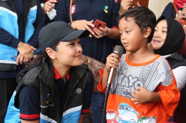 Grace Batubara Salurkan Bantuan Kepada Warga Terdampak Banjir di 3 Titik Pengungsian - JPNN.com