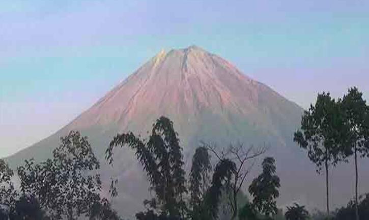 Jalur Pendakian Gunung Semeru Masih Ditutup untuk Pendaki - JPNN.com