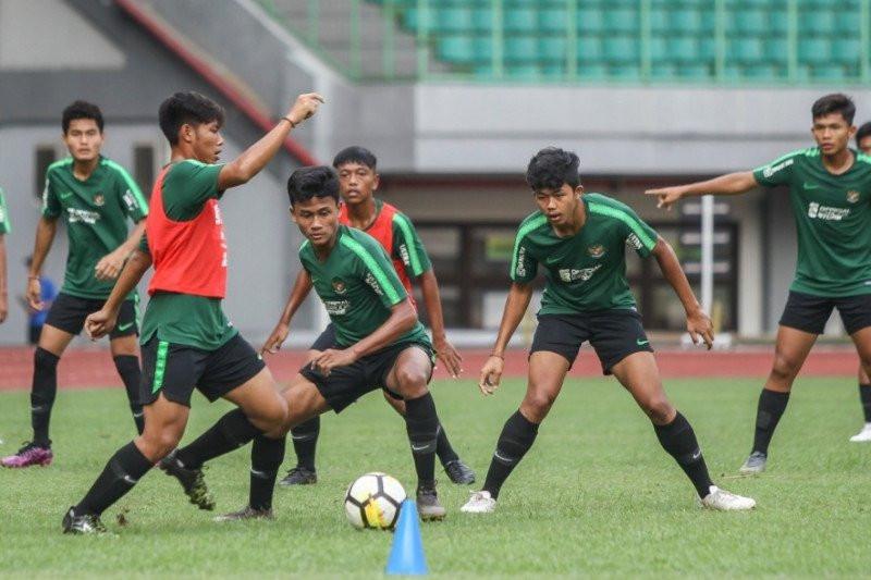 Bima Sakti Tingkatkan Intensitas Game Internal Timnas Indonesia U-16 - JPNN.com