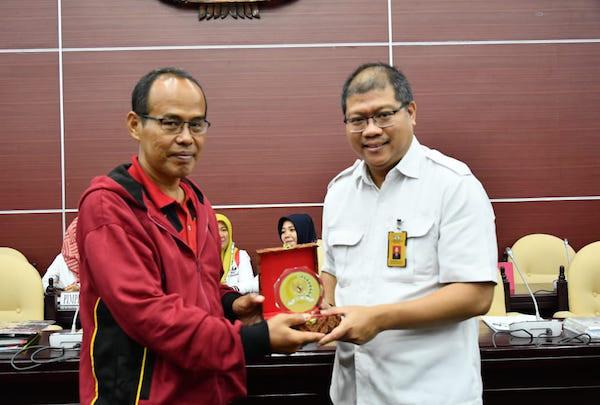 Memperdalam PPKN, Siswa SMAN 1 Tanjung Batu Kunjungi MPR RI - JPNN.com