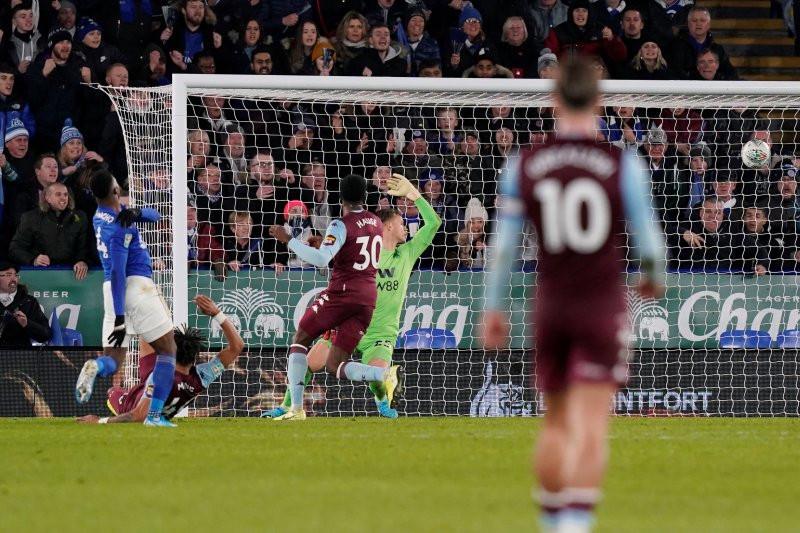Aston Villa Tahan Leicester City di Leg Pertama Semifinal Piala Liga Inggris - JPNN.com
