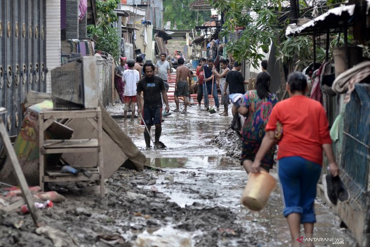 51 Kelurahan di Kota Bekasi Diterjang Banjir - JPNN.com