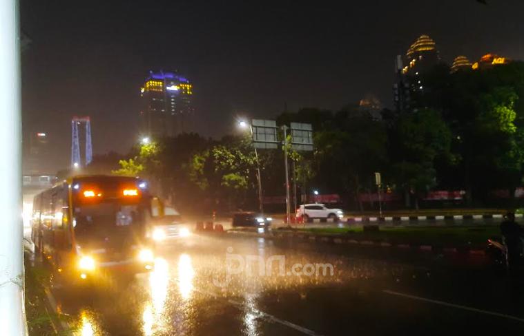 Cuaca Jakarta Hari Ini: Waspada Hujan Lebat Disertai Angin Kencang - JPNN.com