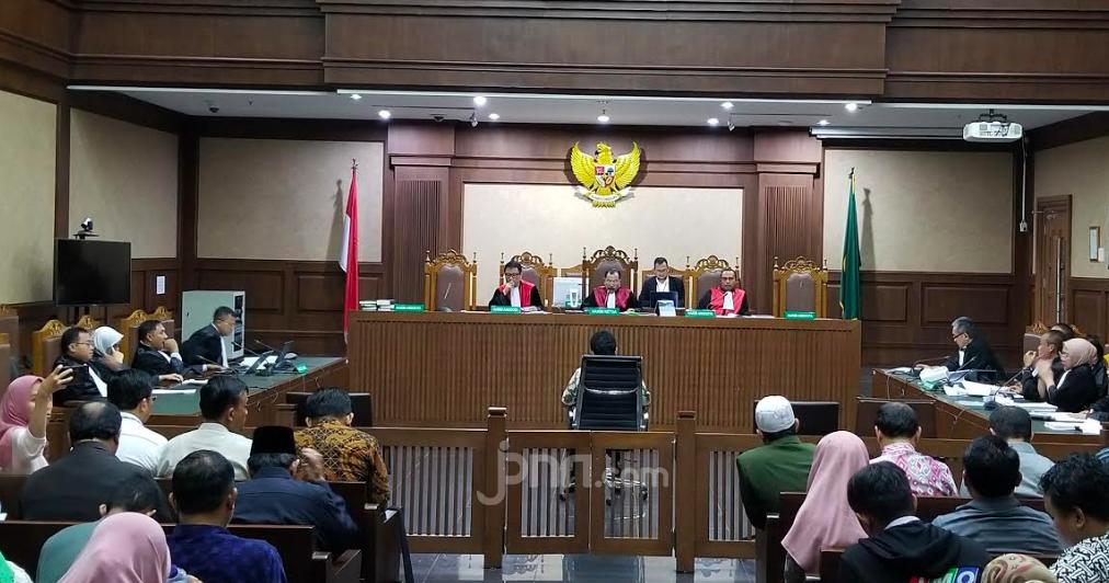 Bacakan Pledoi dalam Sidang, Romi Ungkap Dakwaan KPK yang Dinilainya Janggal - JPNN.com