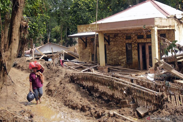 Warga Diminta Tetap Waspada Terjadi Banjir dan Longsor Susulan di Daerah Ini - JPNN.com