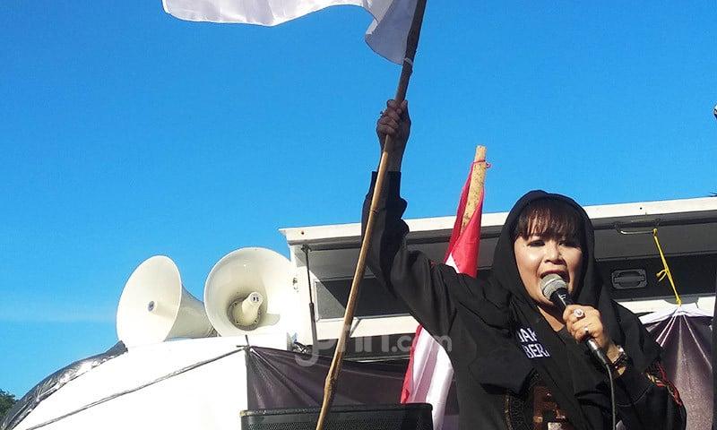 Dewi Tanjung Tidak Akan Berhenti Sampai Anies Lengser - JPNN.com