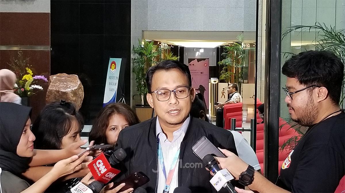 Usut Kasus Suap di KPU, KPK Periksa Riezky Aprilia - JPNN.com