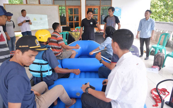 Kemendes PDTT Latih Swift Water Rescue Warga Terdampak Banjir - JPNN.com