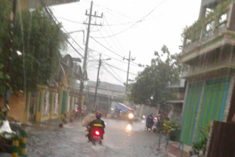Surabaya Banjir, Tetapi.. - JPNN.com
