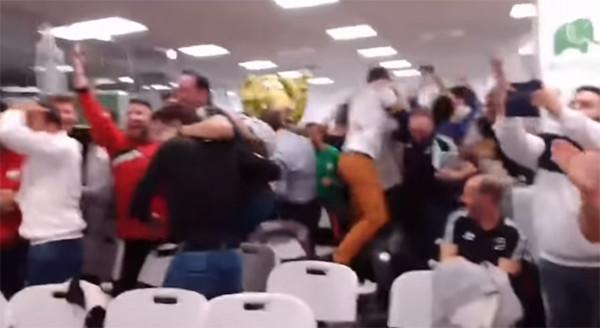 Heboh! Diundi Duel Lawan Real Madrid, Pemain Unionistas Girang Sampai Naik ke Kursi - JPNN.com