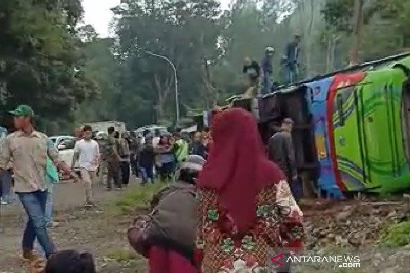 Bus Pariwisata Kecelakaan di Subang, 6 Orang Meninggal - JPNN.com