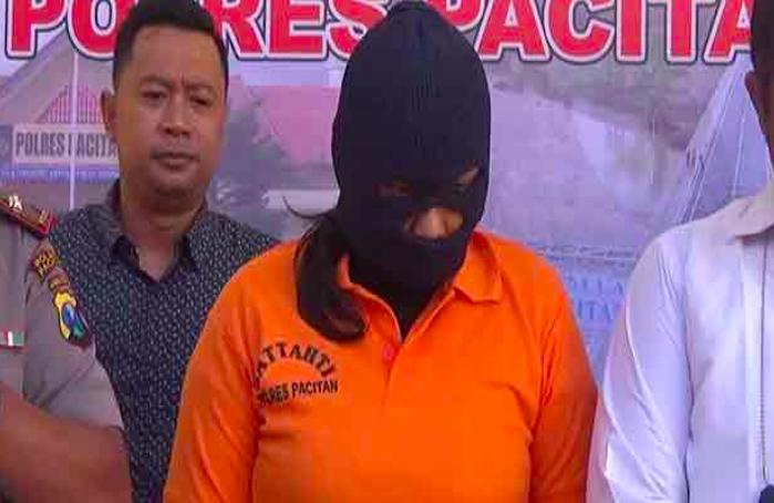 Polisi Sita Beha Biru di Kamar Muncikari, Ternyata Ada yang Sedang Asyik - JPNN.com