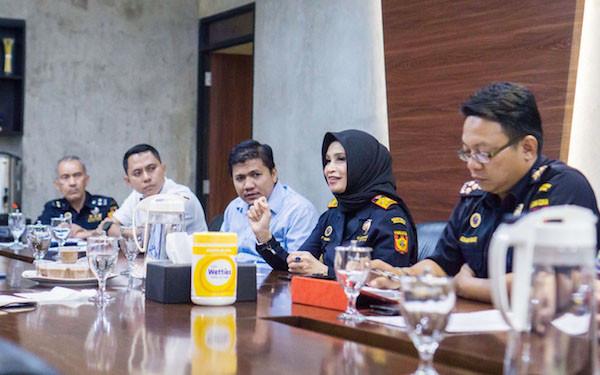 Tingkatkan Pengawasan, Bea Cukai Soekarno-Hatta Bersinergi dengan Kemenlu - JPNN.com