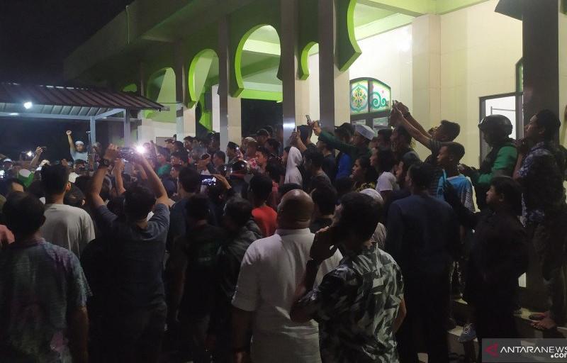 Jumat Malam, Masjid Al Amin Diserang Sekelompok Orang - JPNN.com
