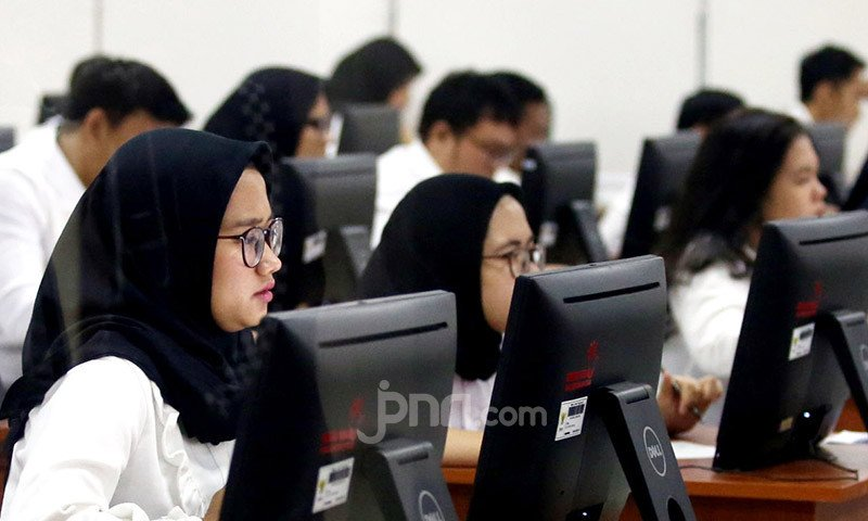 Gaji Perdana CPNS 2019 Cair Desember, PPPK Bagaimana? - JPNN.com