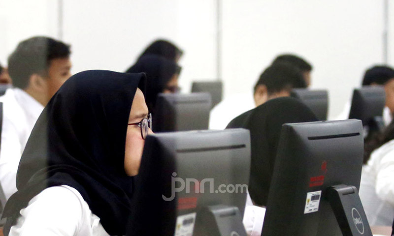 Rekrutmen ASN, DPR: Perlu Mempertimbangkan Aspek Empiris Honorer - JPNN.com