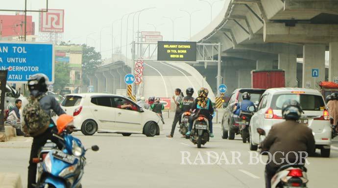 Pembangunan Jalan Tol BORR Seksi 3A Dikebut - JPNN.com
