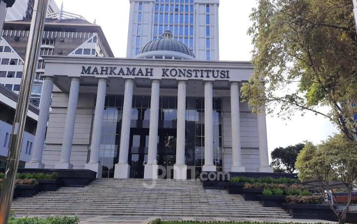 Alasan MK Tolak Gugatan Syarat Pemilih Sudah Menikah Usia Belum 17 Tahun - JPNN.com