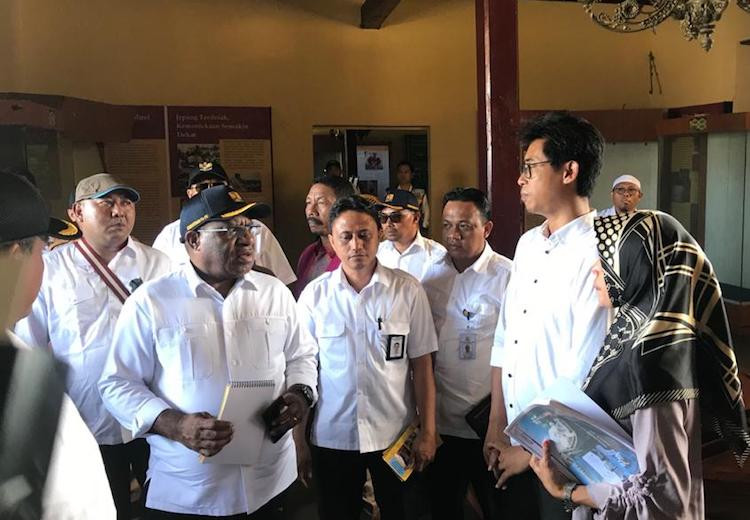 Wamen John Wempi Kunjungi Benteng Oranje, Ini Ajakannya kepada Warga Ternate - JPNN.com