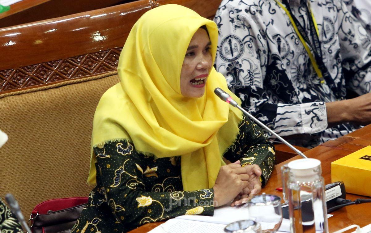 Titi Honorer K2 Curhat, Mengeluh, tetapi Semangat Tak Pernah Redup - JPNN.com