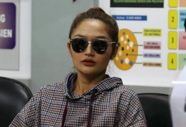 Pernah Isi Acara MeMiles, Siti Badriah Diperiksa Polisi - JPNN.com