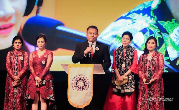 Kerukunan Keluarga Kawanua Gelar Perayaan Natal, Ronny F Sompie Tampak Hadir - JPNN.com