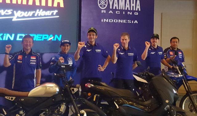 Baca Nih, Komentar Valentino Rossi dan Vinales Soal Yamaha NMax Terbaru - JPNN.com