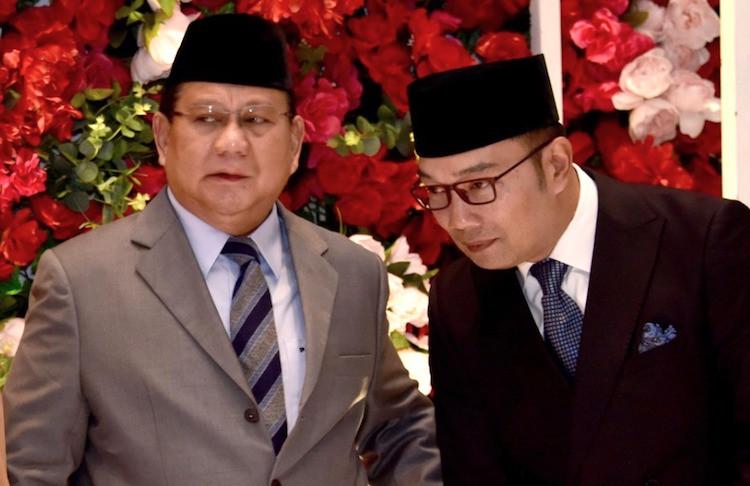 Sempat Berseberangan, Prabowo dan Kang Emil Tampak Akrab di Acara Pernikahan - JPNN.com