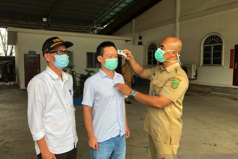 19 TKA Tiongkok Diobservasi di Batam - JPNN.com
