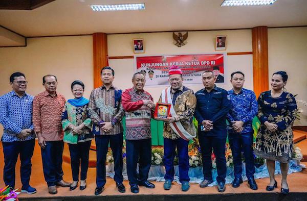 Dari Palopo, Ketua DPD RI Lanjutkan Kunjungan Kerja ke Toraja Utara - JPNN.com