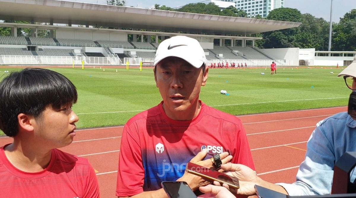 Shin Tae Yong Tidak Tahu di Mana Indra Sjafri - JPNN.com