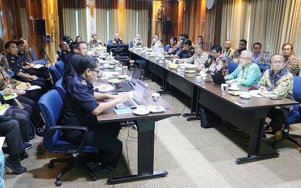 Strategi Bea Cukai dan Ditjen Pajak Mengoptimalkan Penerimaan Negara - JPNN.com