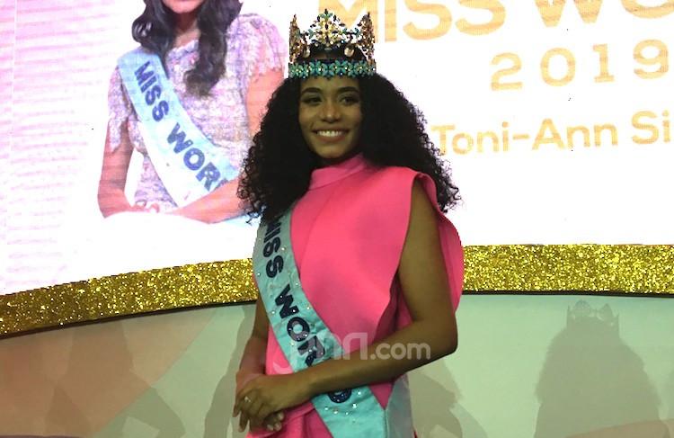 Pengakuan Miss World 2019 setelah Coba Makan Gado-gado - JPNN.com
