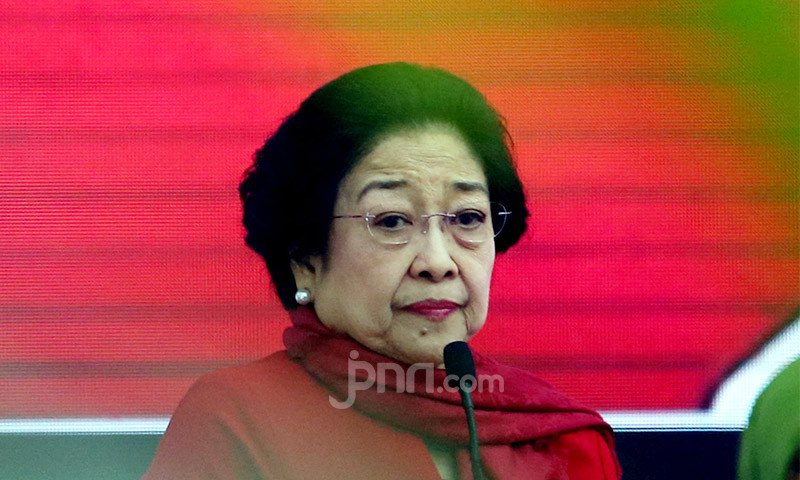 Megawati Soekarnoputri: Awas Surabaya, Siapa yang Melawan Saya, Ingat! - JPNN.com
