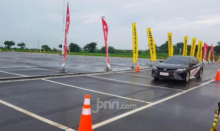 Keunggulan Ban Dunlop Sport SP LM507 di Lintasan Basah - JPNN.com