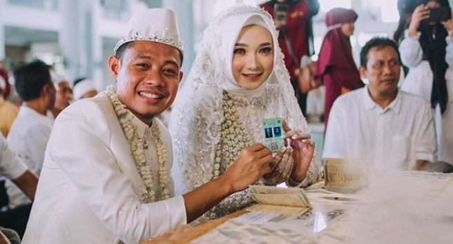 Sudah Jadi Suami, Evan Dimas Santap Ikan Tongkol untuk Iftar Bareng Istri - JPNN.com