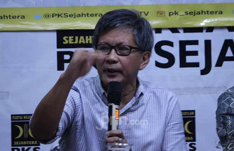 Rocky Gerung Berkali-kali Memuji PKS dan Menjelekkan Penguasa - JPNN.com
