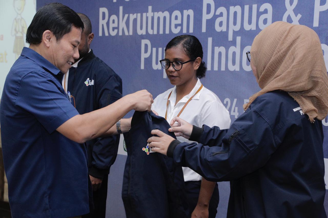 Sebanyak 12 Putra-Putri Papua Ikuti Program Perekrutan Pupuk Indonesia - JPNN.com