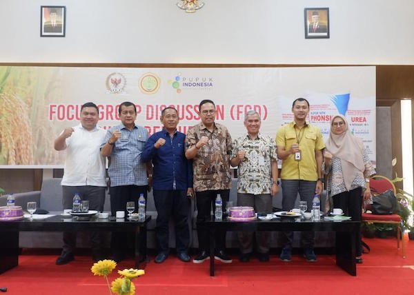 Andi Akmal Pasluddin Bantu Solusi Kebutuhan Pupuk Petani di Bone - JPNN.com