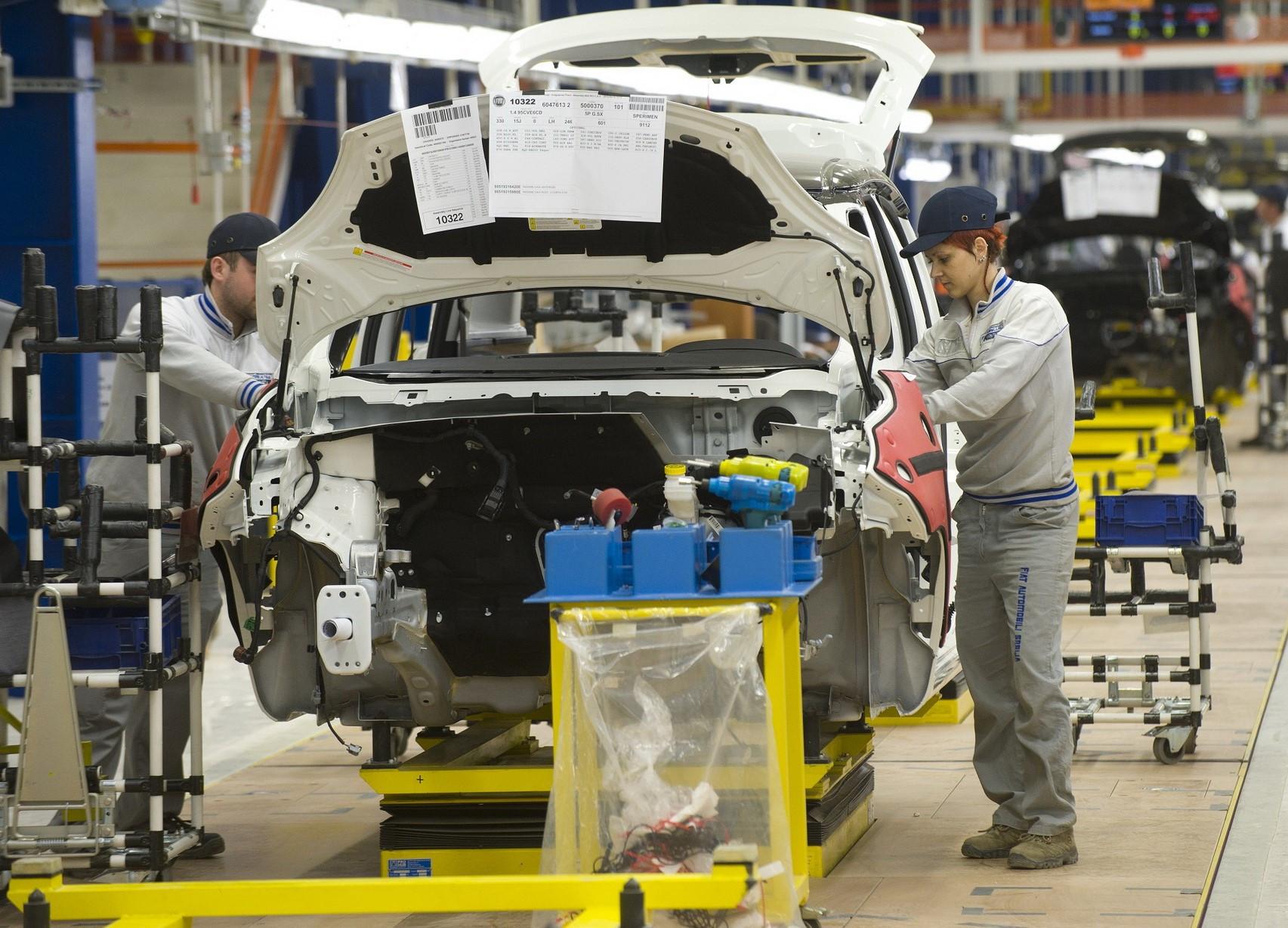 Produsen Mobil di Italia Mulai Aktivitas Lagi di Tengah Virus Corona - JPNN.com