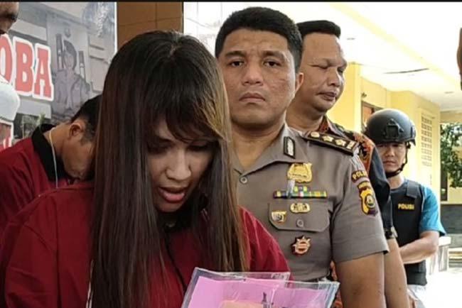 Mbak Nita Ditangkap Saat Berbuat Terlarang Bersama Empat Pria - JPNN.com